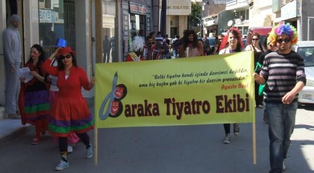 """""""Dünya Tiyatro Günü"""" Yürüyüşüne Çağrı"""