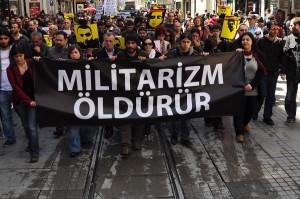 militarizm öldürür