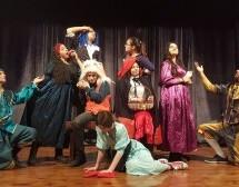 Baraka Gençlik Tiyatrosu Lefkoşa Gösterimlerini Tamamladı Sırada Akova Var