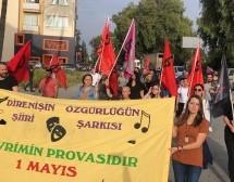 """Sokak Haykırdı: """"Bağımsız Kıbrıs Bütün Halklar Kardeştir"""""""