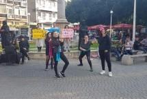 """Baraka Tiyatro Ekibi Sokak Tiyatrosuyla """"Mobeseye NObese"""" Dedi"""