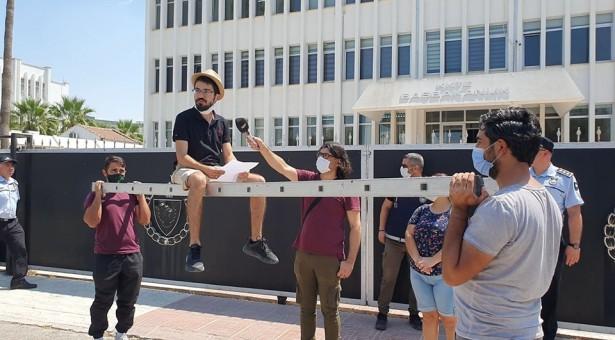 """Baraka Kültür Merkezi'nden """"Direk Üstünde"""" Basın Açıklaması"""